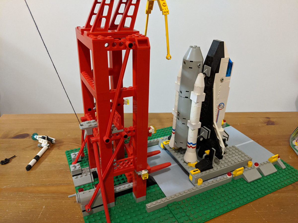 LEGO System Shuttle Launch Pad from 1995